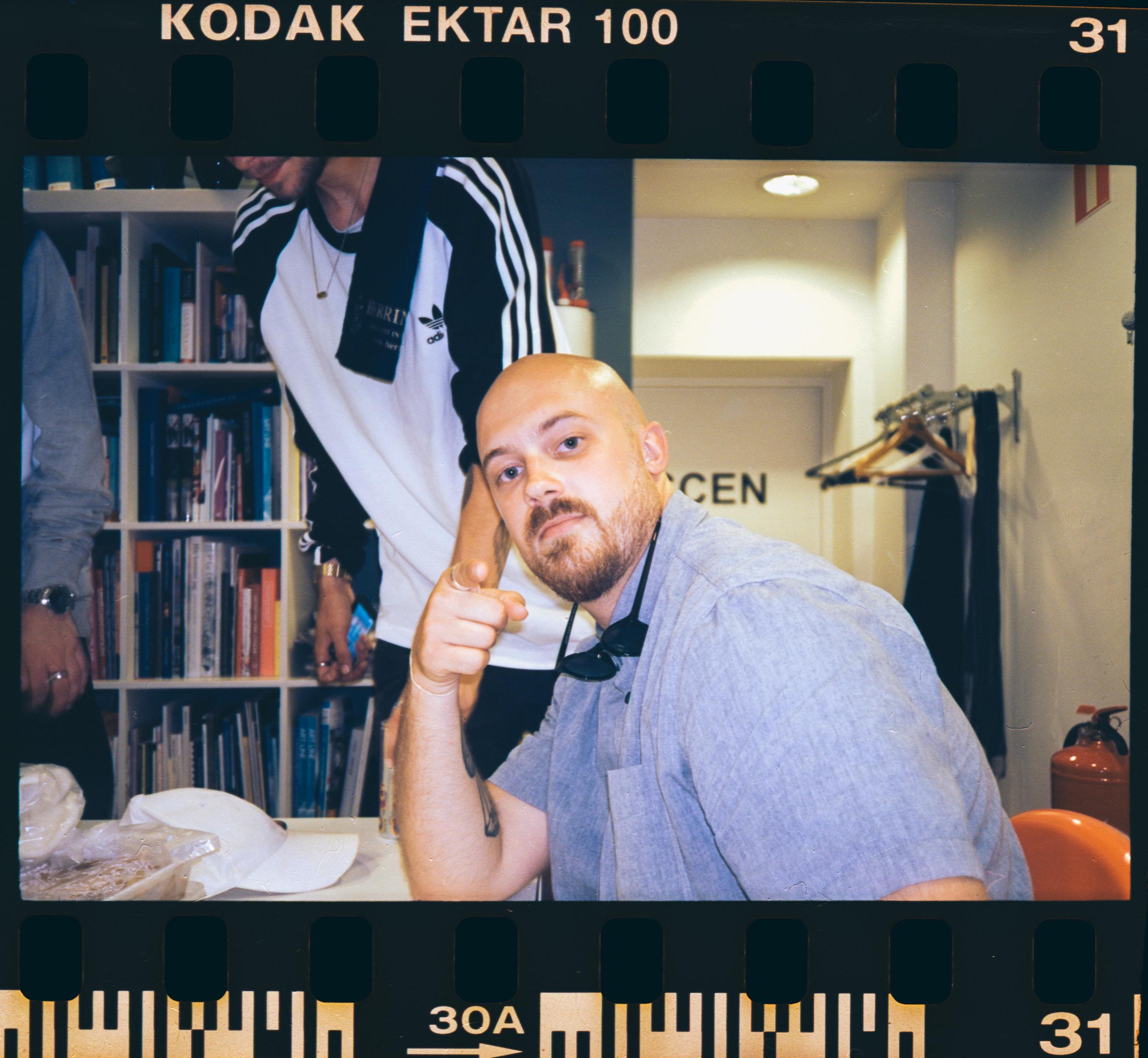 Jason 25 / Kodak Ektar 100 / Olympus Mju I