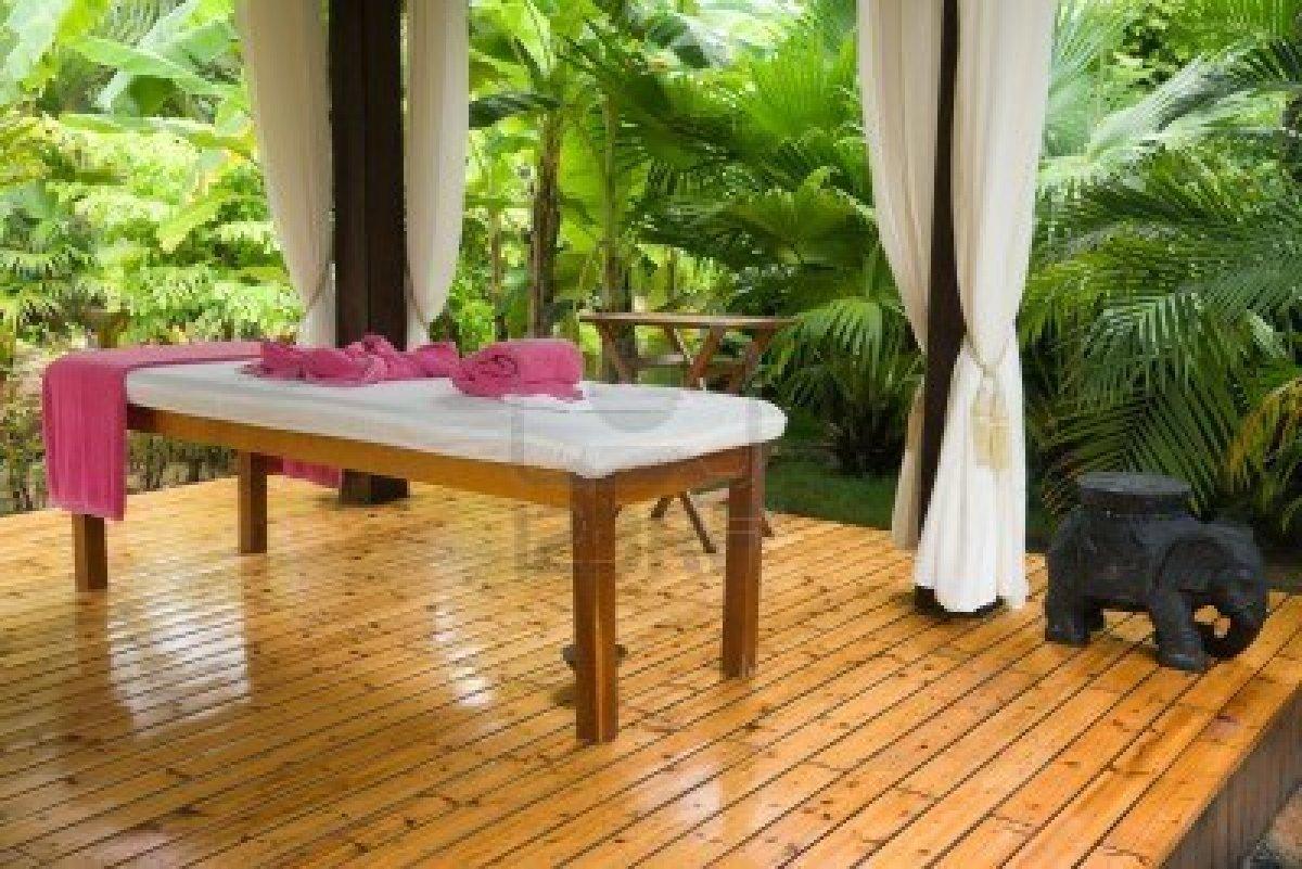 massage in garden