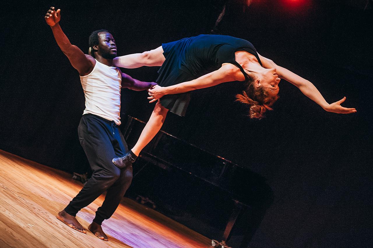 acrobatics-circus-costa-rica-1.jpg