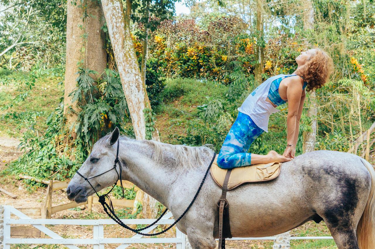yoga-with-horses-107.jpg