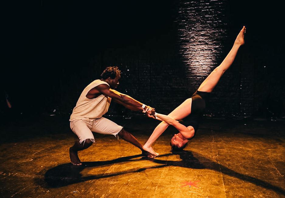 acrobatics-circus-costa-rica-4.jpg