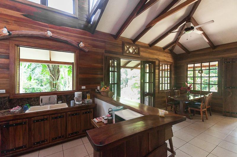 jungle-cabin-costa-rica-5.jpg
