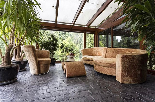 Don't let rain or snow get in the way of daily fresh air, day light, greenery and star gazing. Think about a sunroom when you build your dream home or add it to your existing home. We design these spaces from start to finish with endless styles and options. I'm loving this zen/ minimalist look. #portlanddesign #instadesign #instainteriors #interiordesign #interiors #revivaldesign #greenery #rainorshine #sunroom #interiordesigner #oneofakind #remodel #accessories #timeless