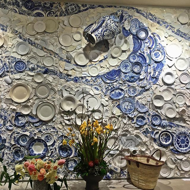 In love with this porcelain mural wall! Great way to add texture and repurpose old material. #interior #interiors #instaportland #portland #instadesign #interiordesign #repurpose #repurposed #wall #walldesign #creative #diy #art #mural #artwall #oneofakind #original #diyhome