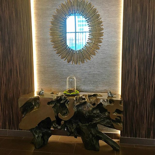 This massive redwood burled root table completed this foyer perfectly. 💛 #interior #interiors #interiordecor #interiordesign #interiorstylist #instadesign #instaportland #instastyle #mystyle #portland #portlandinteriordesign #accessories #wallpaper #table #tabledecor #foyer #creativity #decor #glam #luxury #lovemyjob #modern #madeinusa #oneofakind #original #revivaldesign
