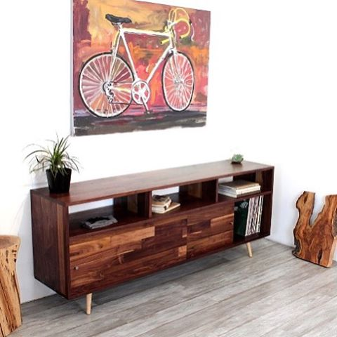 There is just a fabulous mid century modern furniture designer out of my childhood city San Francisco, Jeremiah Collection @jcollection! All of his furniture is handcrafted solid walnut. Obsessed with this console. #jeremiahcollection #midcenturymodern #handmade #handcrafted #localart #localdesigner #indiedesigner #luxury #madeinusa #sanfrancisco #interior #interiors #instastyle #instadesign #oneofakind #original #art #glam #portlandinteriordesign #interiorstylist #interiordesign #interiordesigner #revivaldesign #walnut #masterpiece #mystyle