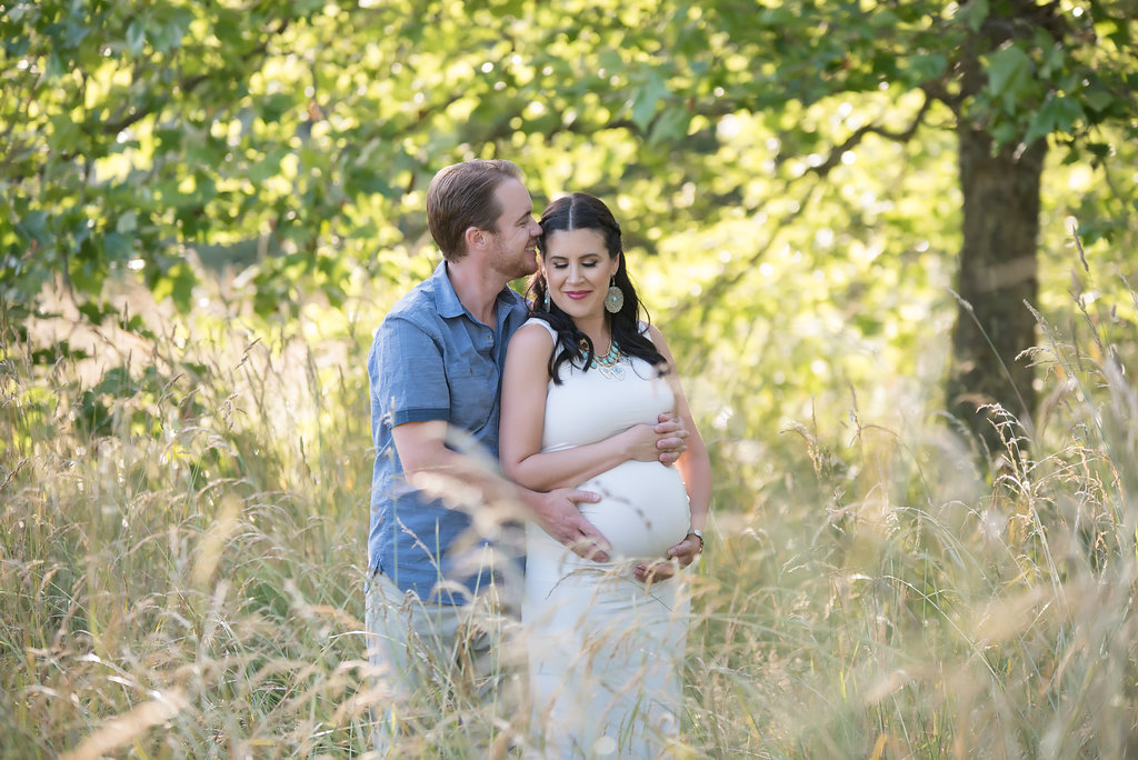 seattle maternity photographer discovery park photo session best maternity photographers tacoma maternity photographer