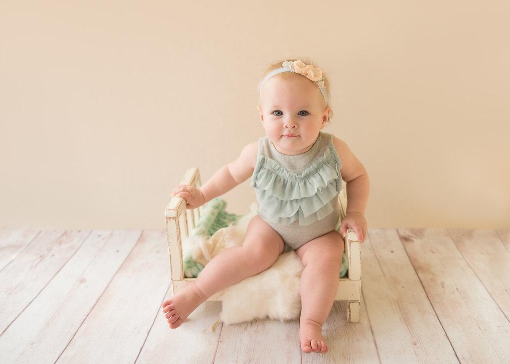 seattle baby photographer seattle milestone photographer baby girl one year photo session