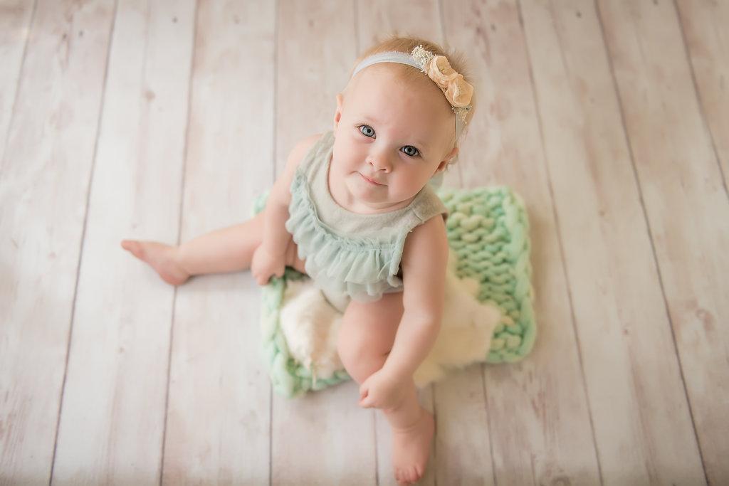 seattle baby photographer seattle milestone photographer baby girl one year session one year milestone