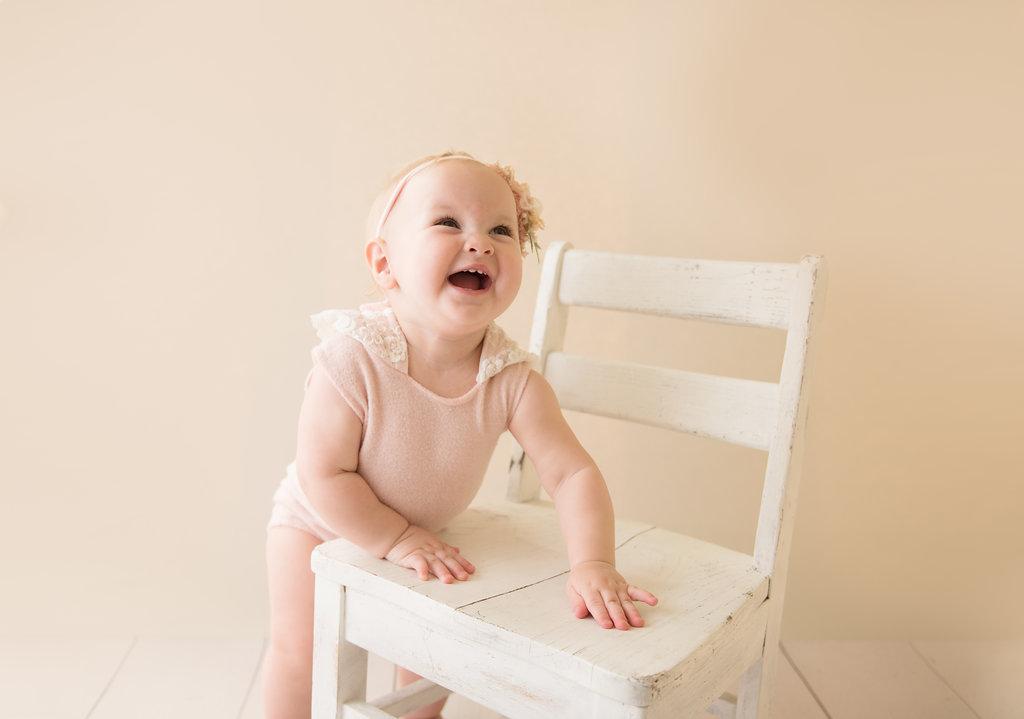 seattle milestone photographer tacoma milestone photographer baby milestone photographer one year baby girl milestone session