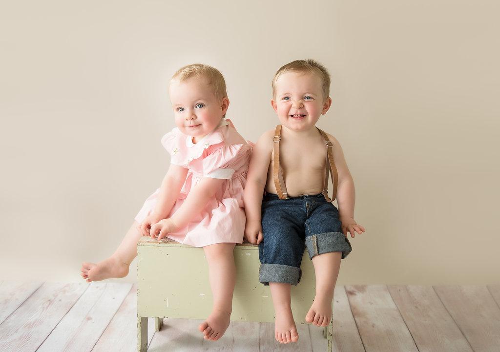 seattle baby milestone photographer one year twin milestone session seattle newborn photographer