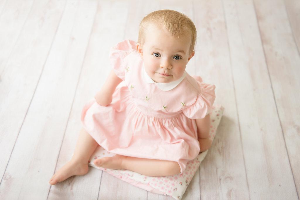 seattle twin newborn photographer baby milestone one year session twin milestone session