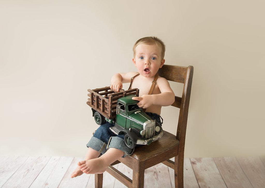 seattle milestone photographer seattle twin photographer twin milestone session baby boy