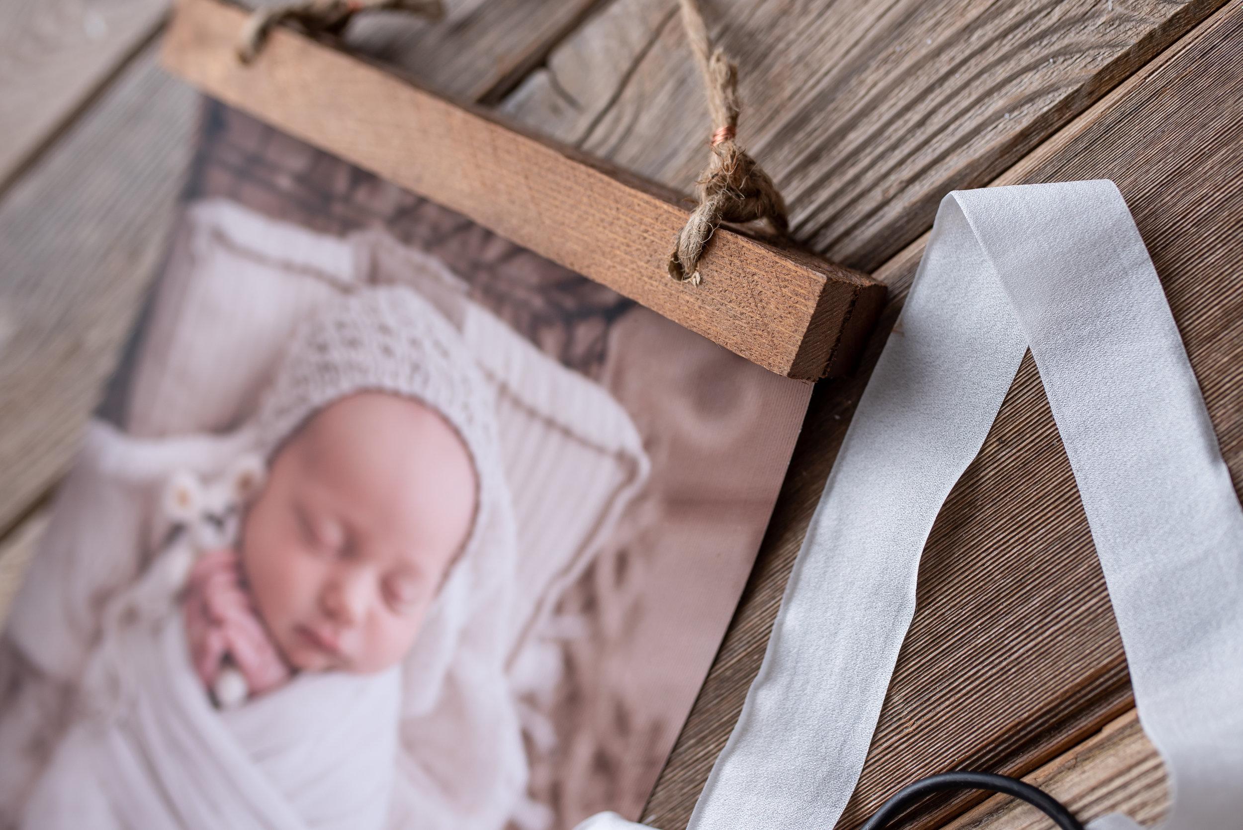 seattle newborn photographer tacoma newborn photographer milestone photographer photography studio