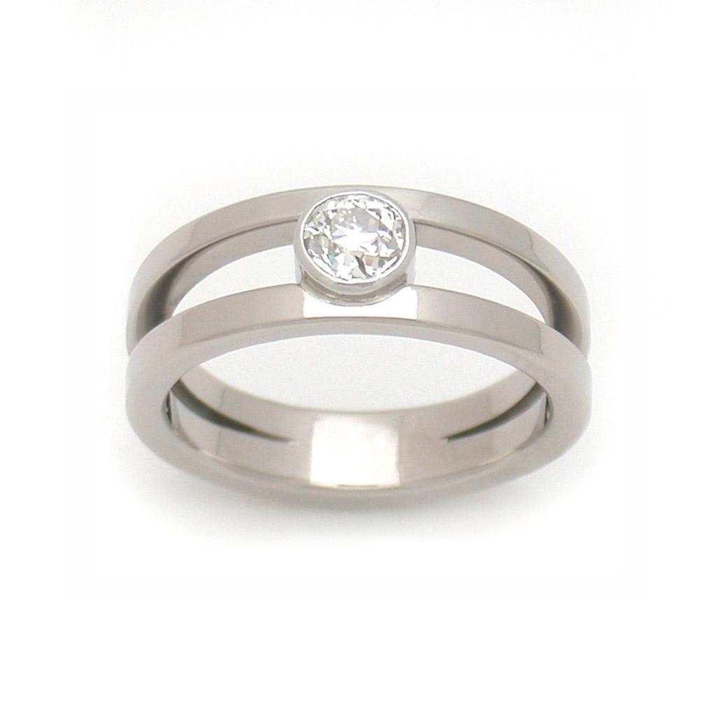 Symmetric Split Ring