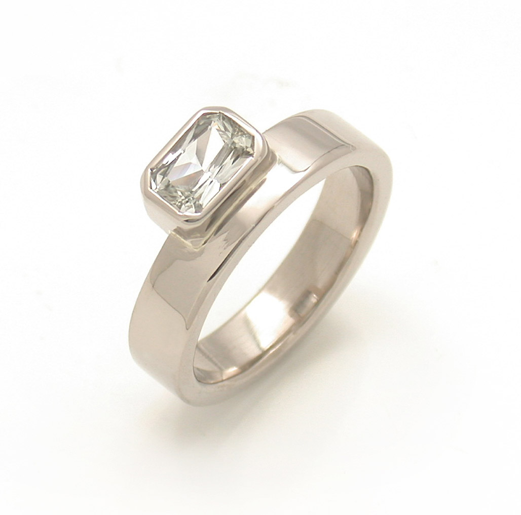 Off-Side Radiant Cut Solitaire