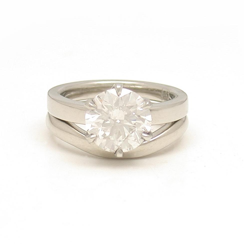 Classic 6-Prong Diamond Solitaire + Gently Interlocking Wedding Band