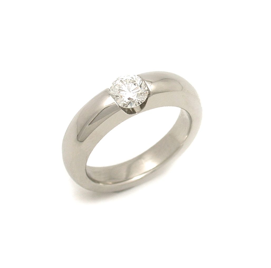 Rounded Channel Set Diamond Solitaire