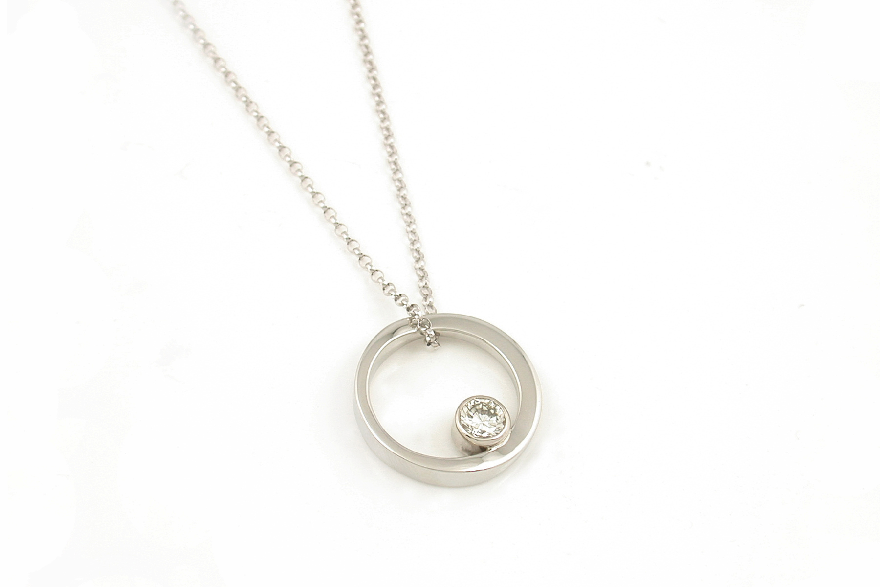 twisted diamond pendant.jpg