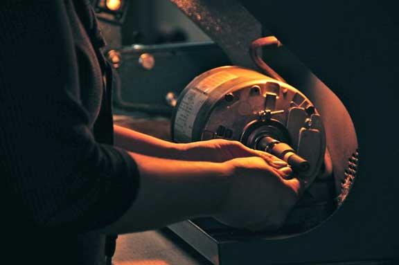 kim-drosdick-polishing-custom-jewellery-engagement-ring-toronto.jpg