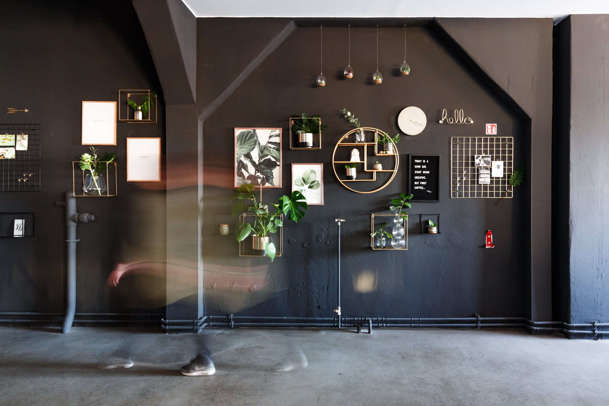 PeakAce-Büro-Wandgestaltung-Dittmarandfriends.jpg