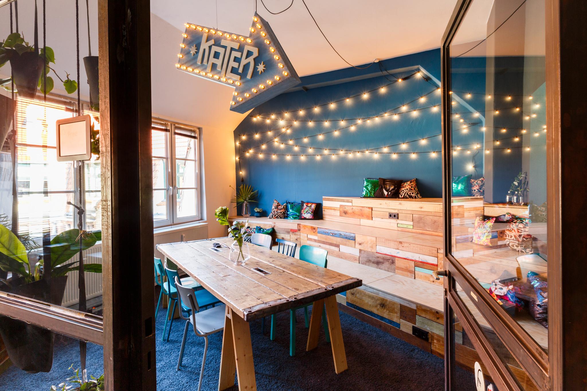 Kater Blau @Peak Ace   OFFICE DESIGN I CONFERENCE ROOM