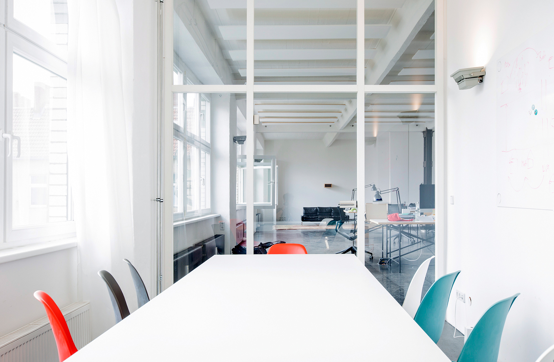A Color Bright   OFFICE DESIGN I GLASS WALL I MEETING ROOM