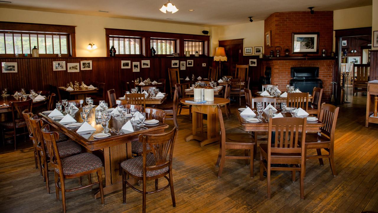 Lake_Louise_Station_Restaurant-0009.jpg
