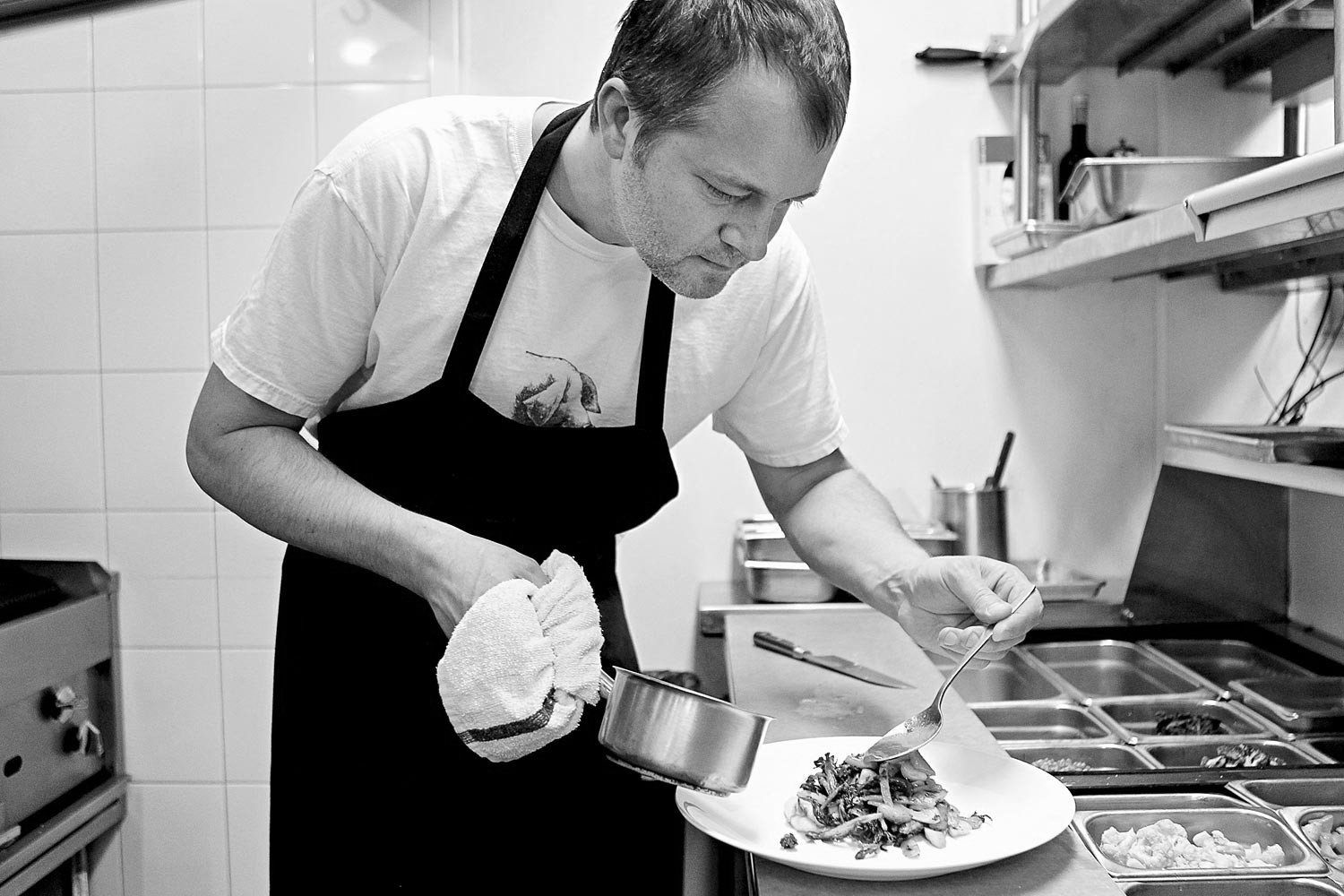 Paul Virant ,chef and owner of Vie, Vistro, and Perennial Virant,James Beard Foundation Award's Best Chef: Great Lakes  (Chicago)