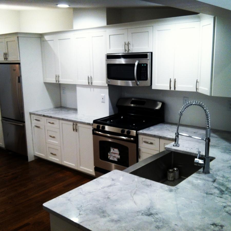 431 e 3rd Kitchen 2.JPG