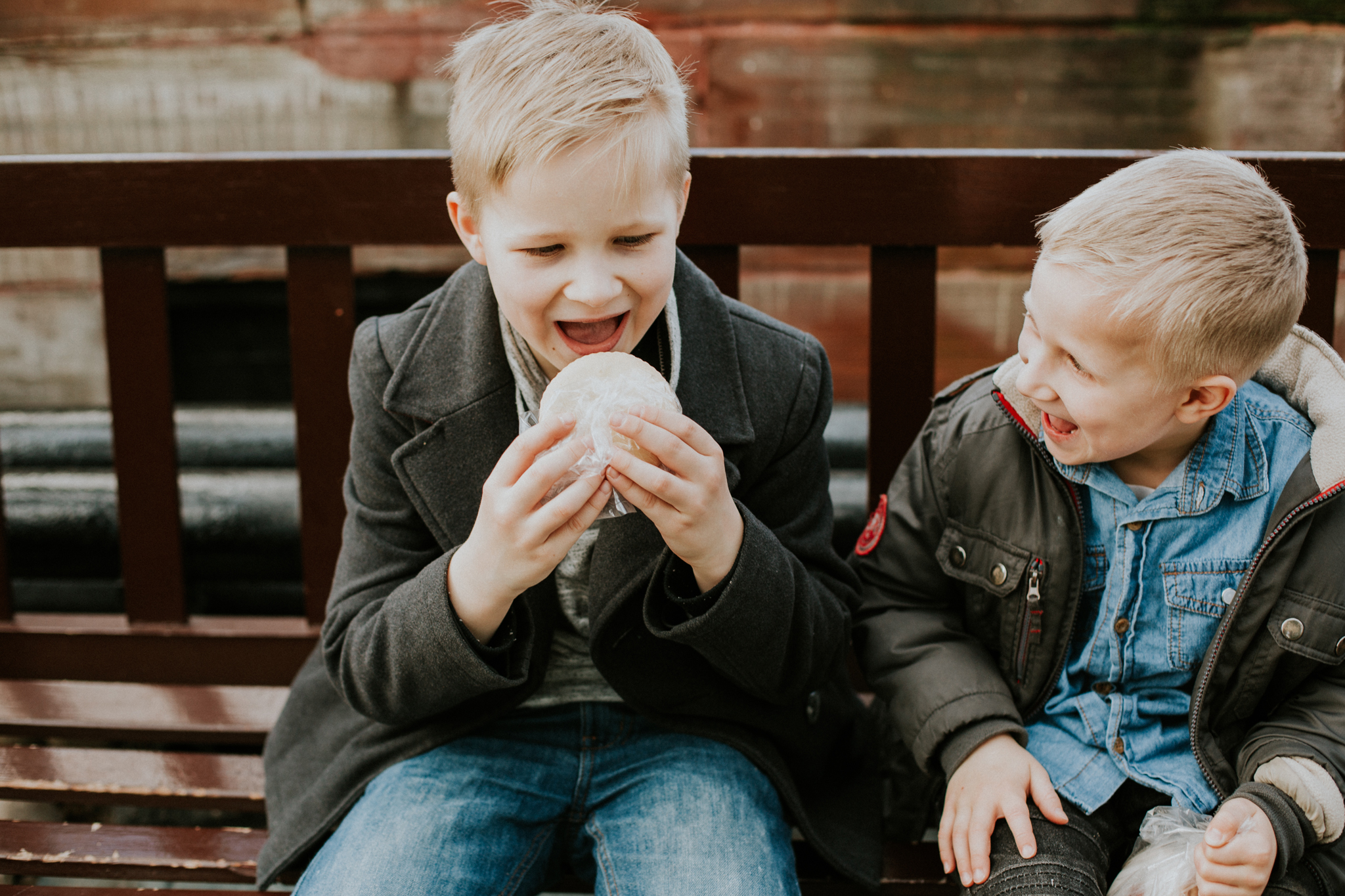 lifestyle and natural family photographer in glasgow