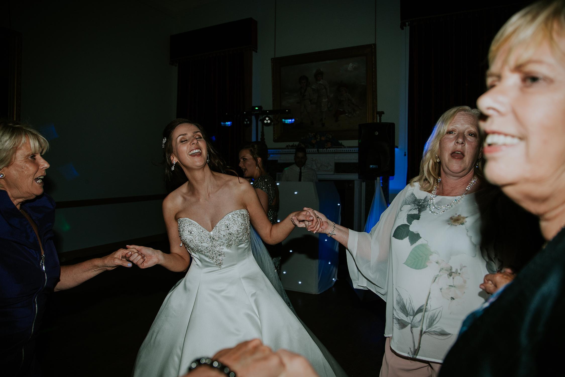 AYRSHIRE WEDDING PHOTOGRAPHER, SCOTLAND, ROWALLAN CASTLE WEDDING PHOTOGRAPHER.