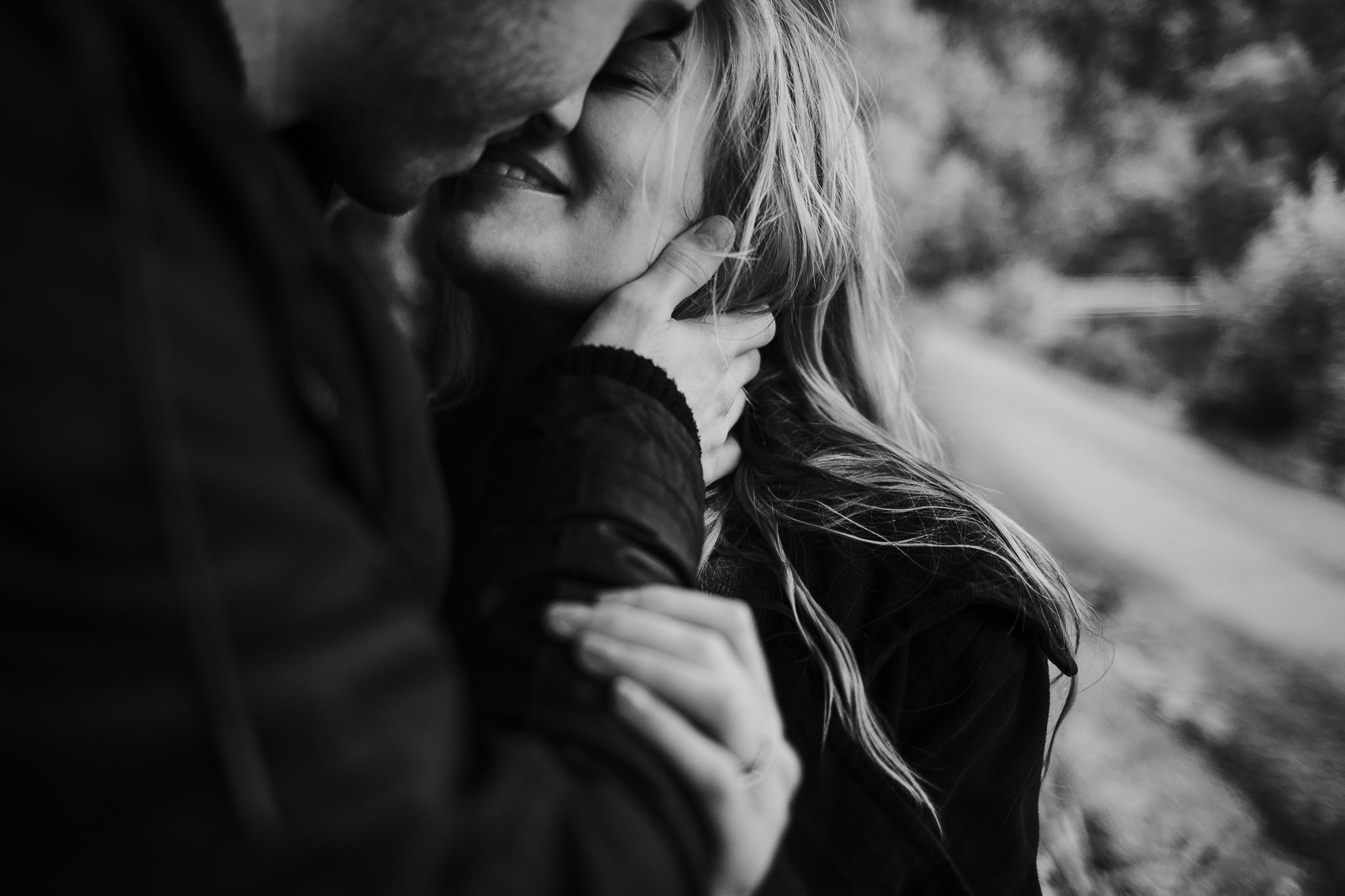 Couple's kiss in Loch Katrine.