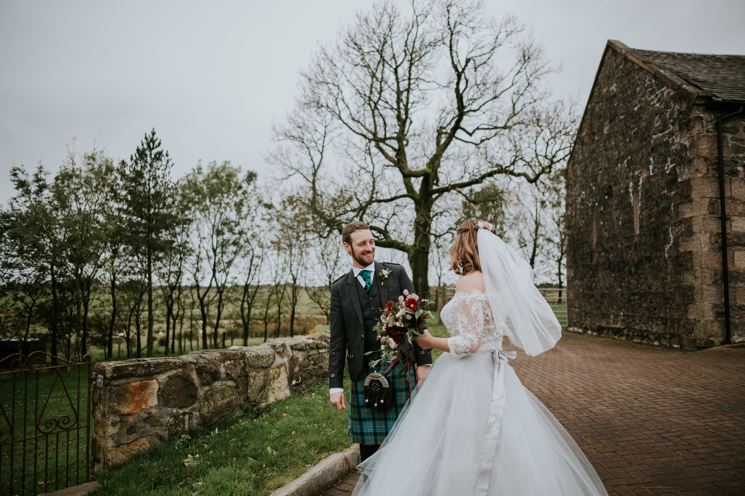 Boho style Scottish bride, Harelaw farm, Ayrshire