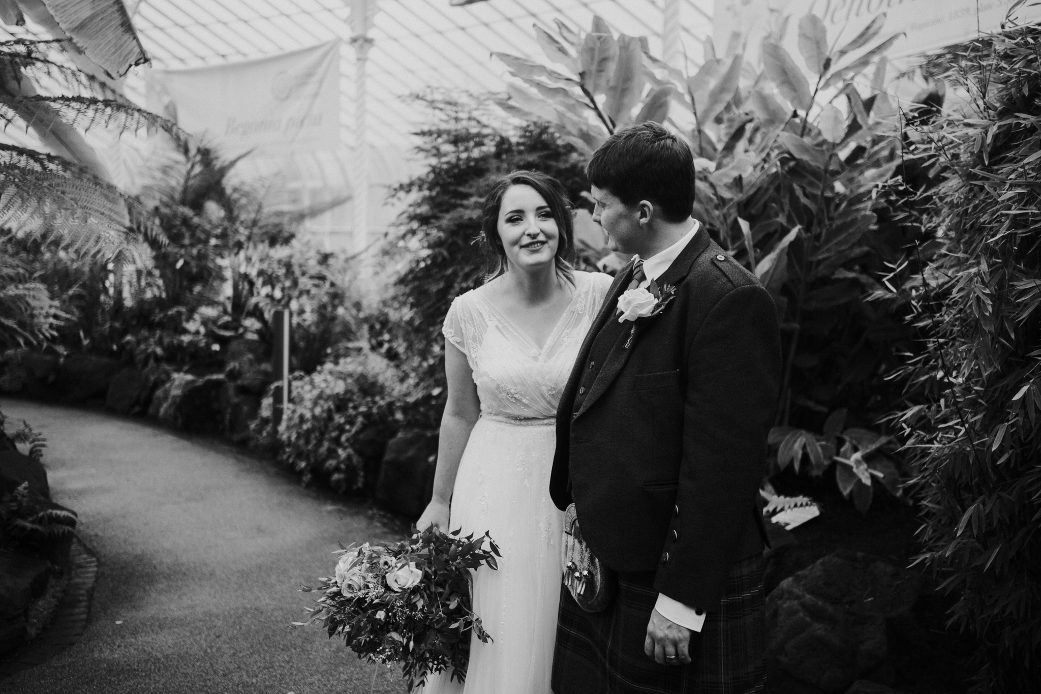 Natural wedding photography in Glasgow
