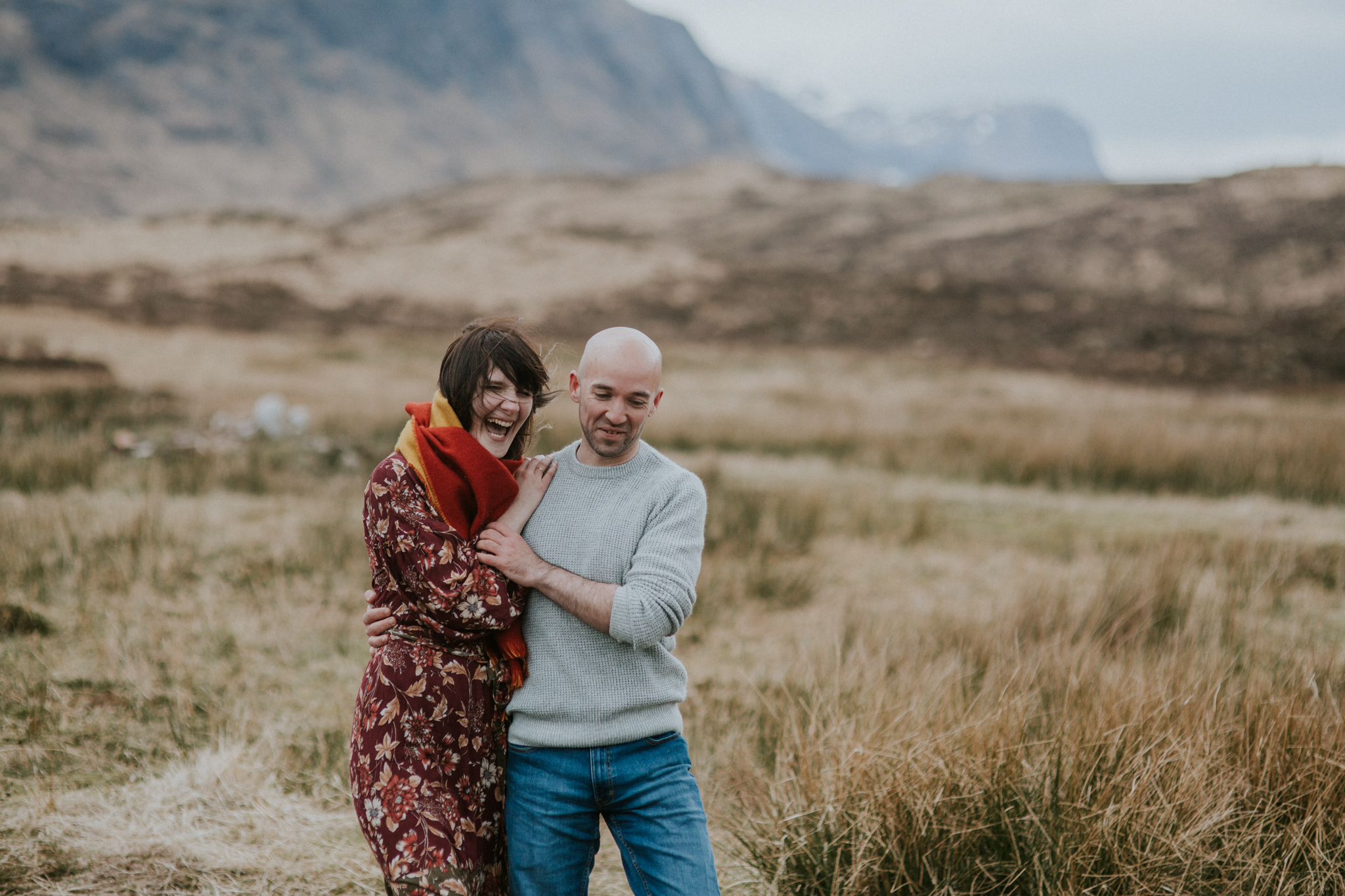 The bride is extremely laughing in the Glencoe