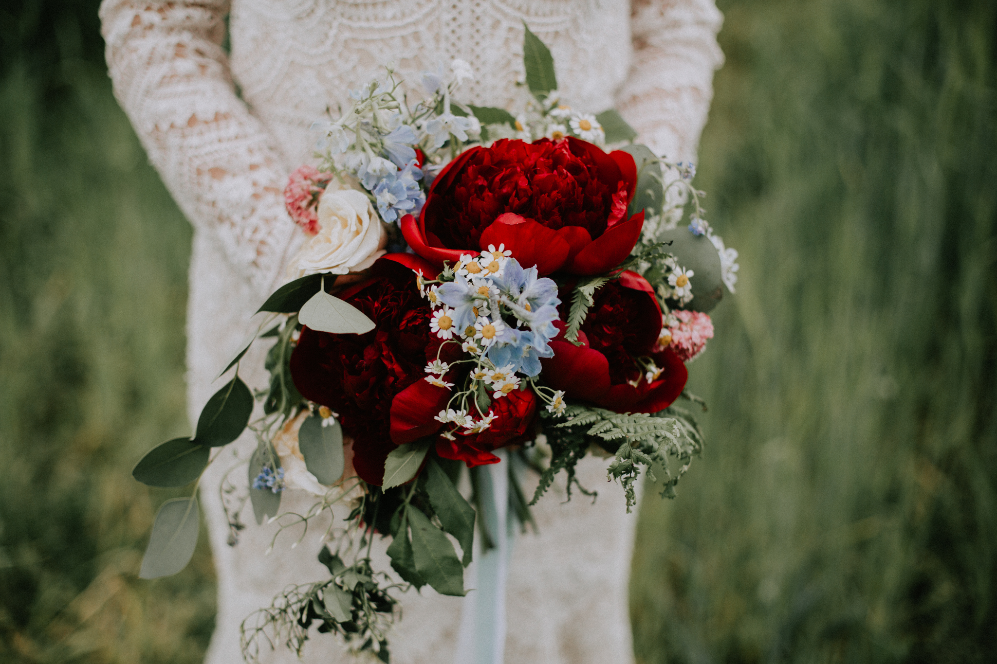 Close up the bridal wedding bouquet