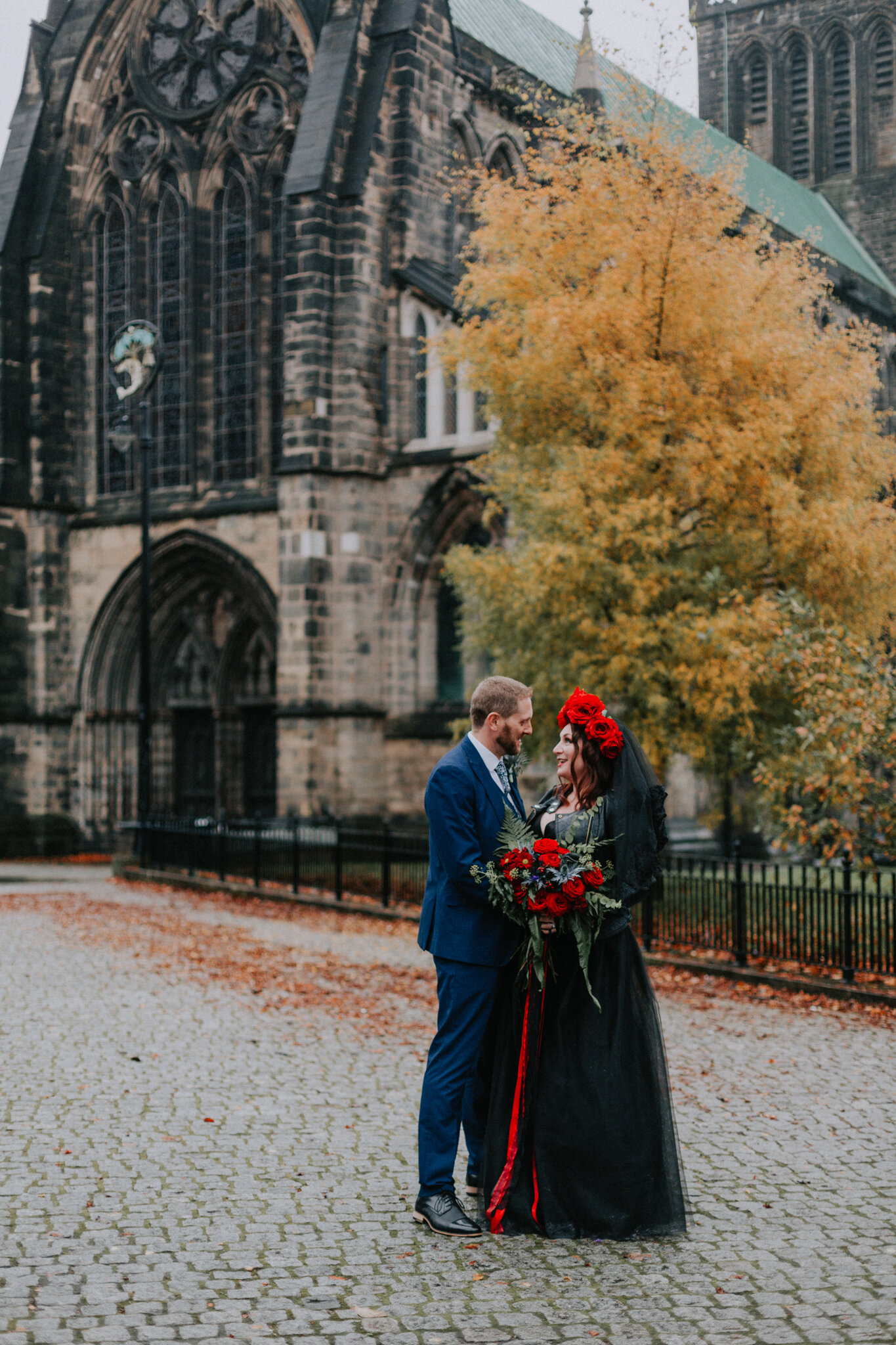 The halloween alternative couple shoot at the Glasgow cathedral