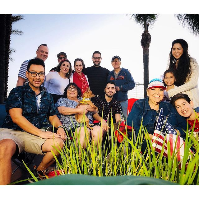 Such a blessing to celebrate our liberties and freedom for all in this country today with these special friends and loving family members !!! Happy 4th of JULY my fellow beauty finders!!! #4thofjuly #fourthofjuly #family #love #lovemylife #beautyfindersquad #findthebeauty #mathias4makeup