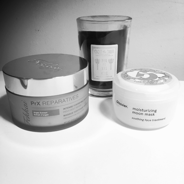 fekkai-masque-glossier-moisturizing-moon-mask