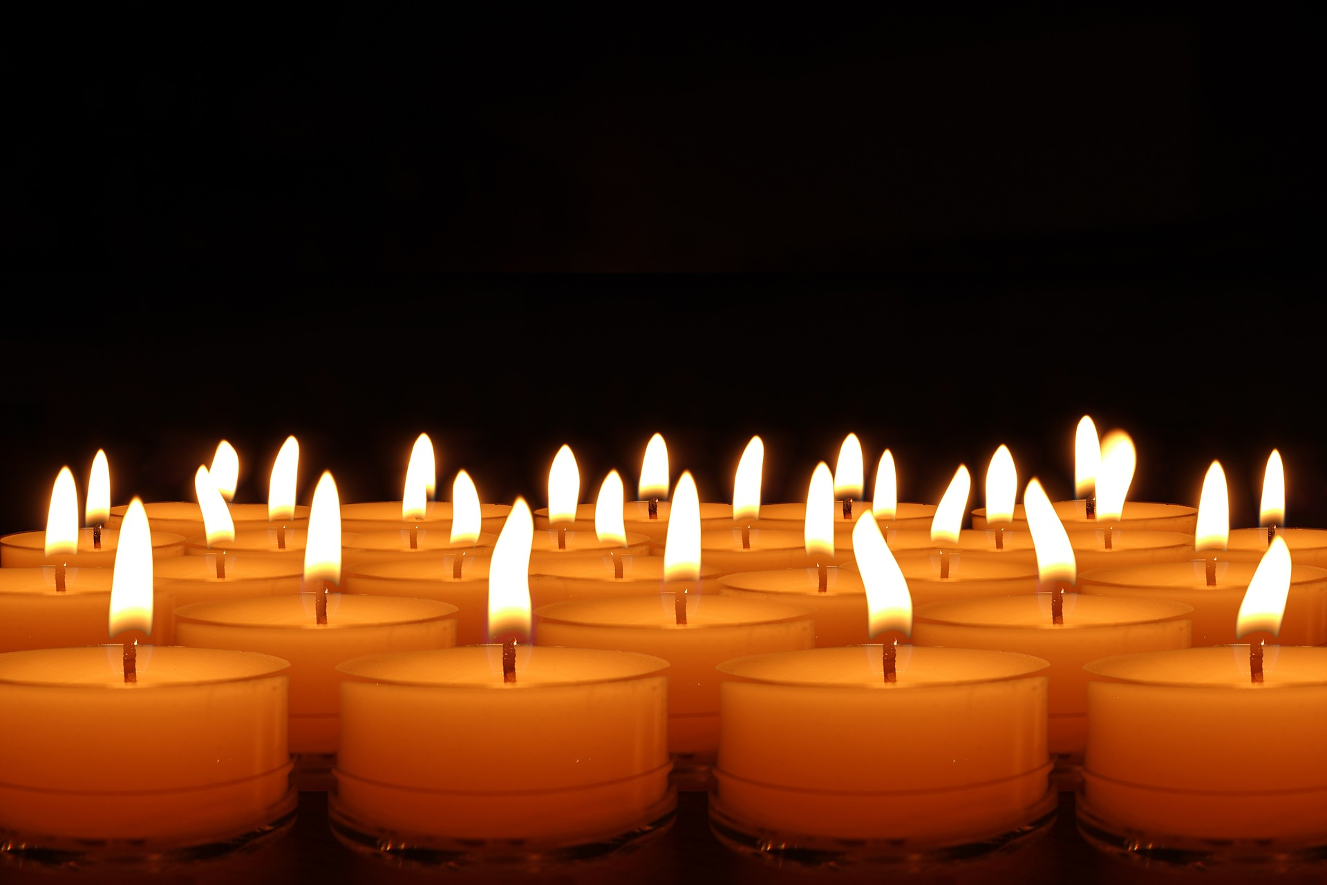candles-492171_1920.jpg