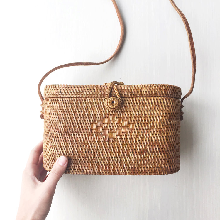 the straw bag - An artisan-forward bag for year round.