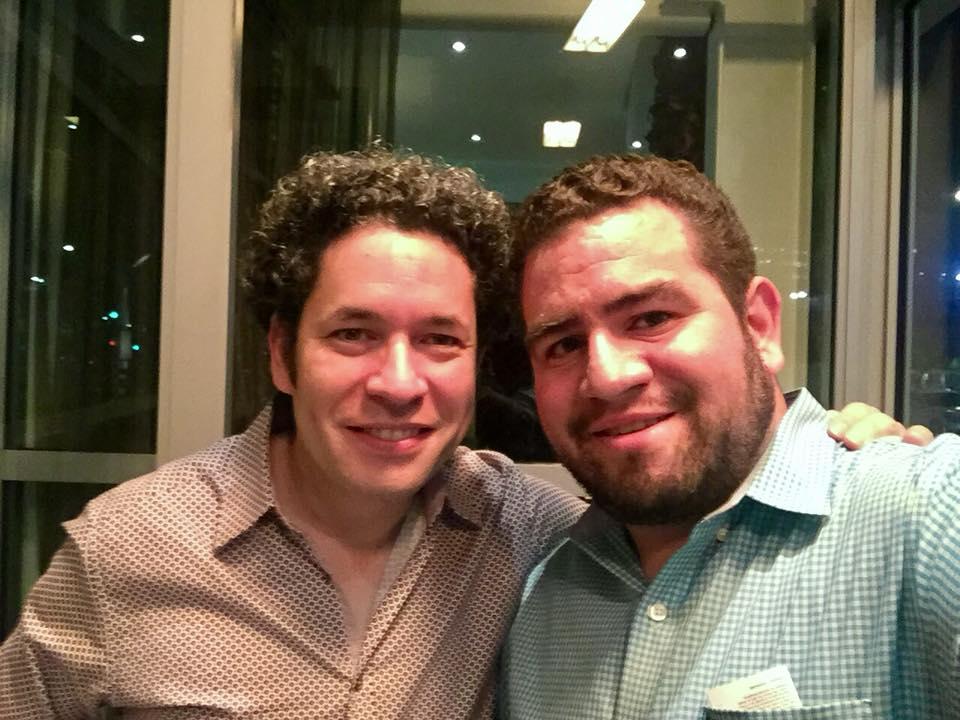 Andres con Gustavo Dudamel.jpg