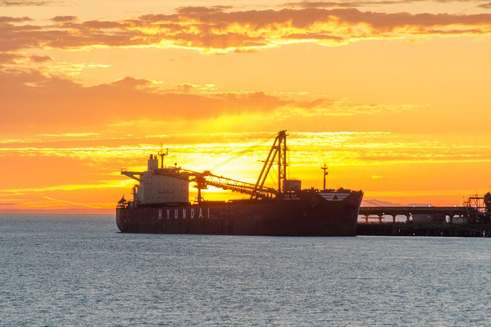 landscape_ship_oil_tanker_cranes_machine_sea_sky_sunset_clouds-43867 (1).jpg