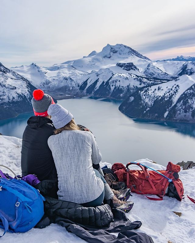 Keep warm and enjoy the view! 🏔 Tag your special someone in the comments! 📷Photo by @mdaltongibson check out his work! . 🇨🇦Tag #borealnorth to get featured! . 📍 Panorama Ridge, BC . #panorama #panoramaridge #explorebc #garibaldiprovincialpark #surreybc #rockies #canadianrockies #rockymountains #views #mountainclimbing #hiking #hikingadventure #travelcanada #truenorth #snowymountains #lakeview #adventurebuddies #backpacking #goals #exploremore #wintertravel #whistler