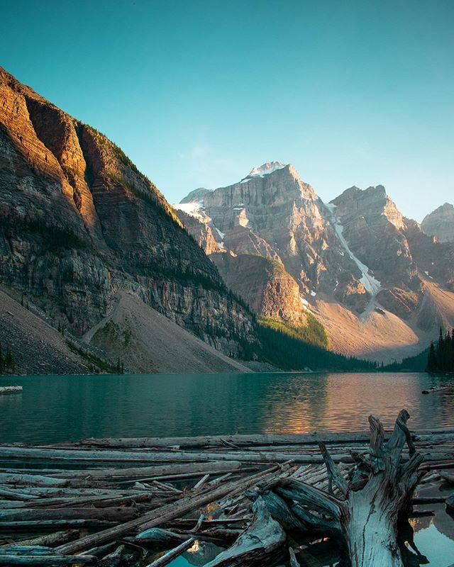 🇨🇦 Happy Canada Day 🇨🇦 . . . . #canadaday #explorecanada #canadianrockies #morainelake #canada #hikecanada #borealnorth #borealnorthoutdoors