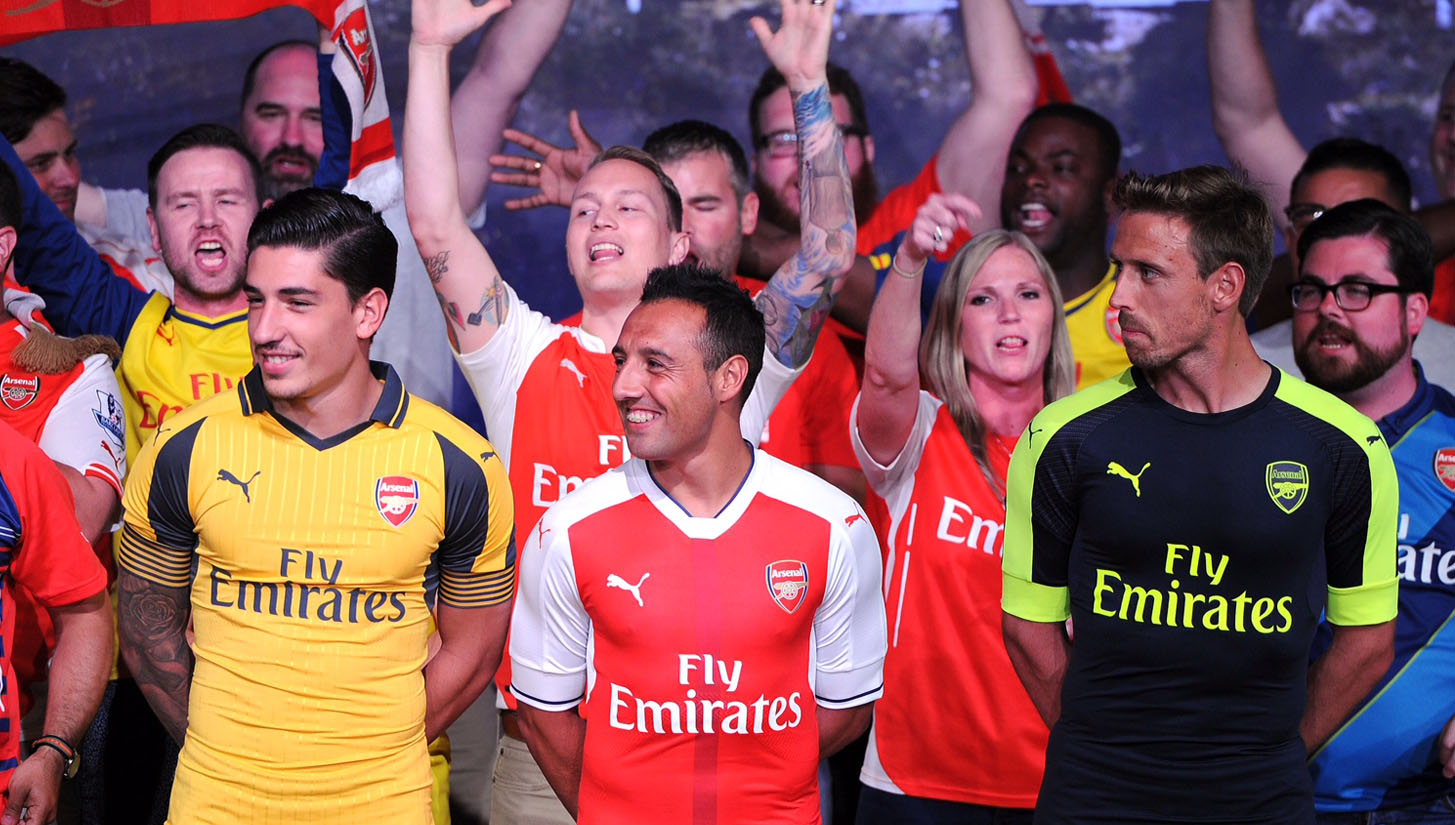 arsenal-3rd-and-away-kits-hollywood_0001_655676087dp050_arsenal_pre_.jpg