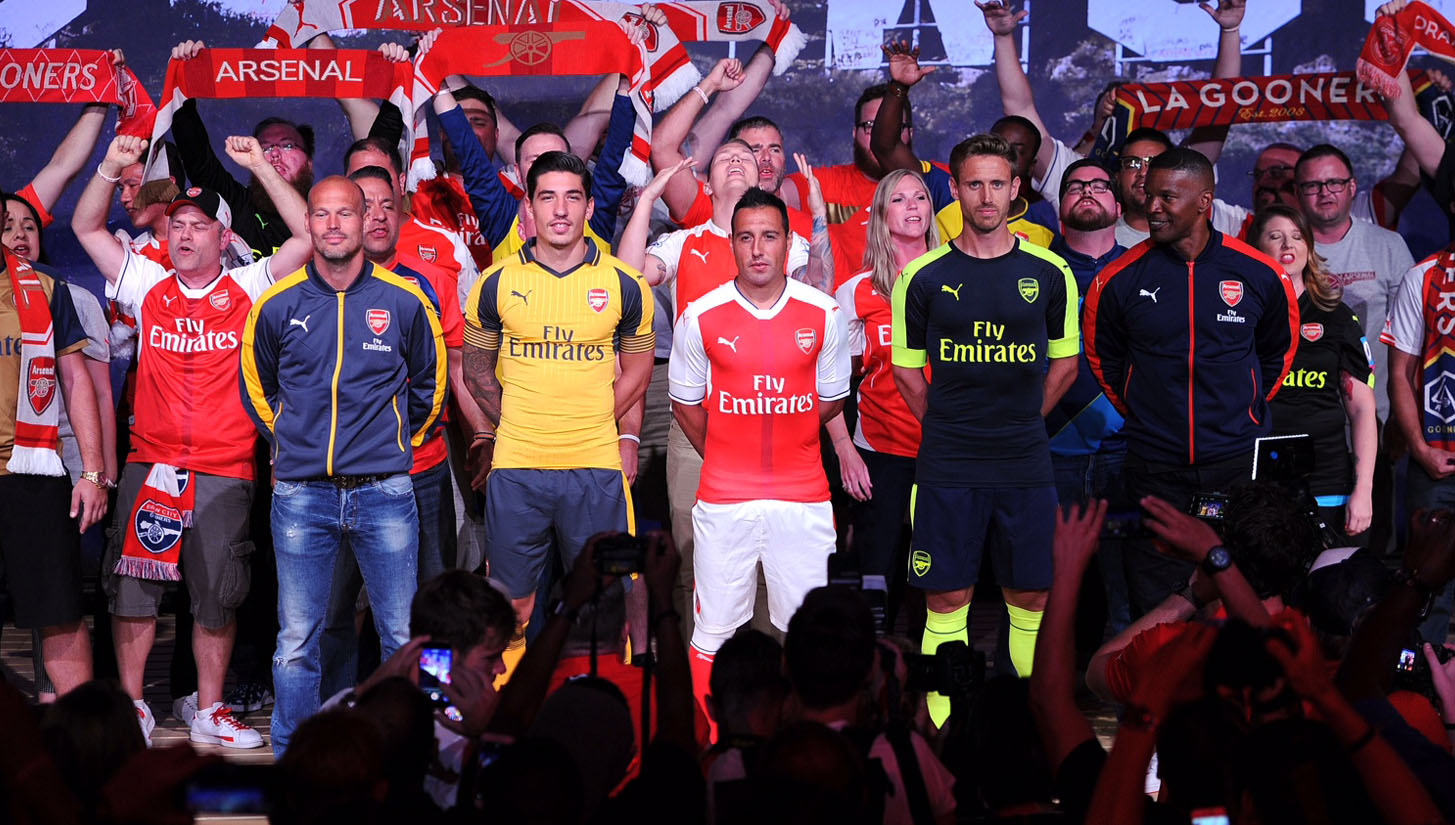 arsenal-3rd-and-away-kits-hollywood_0003_655676087dp048_arsenal_pre_.jpg