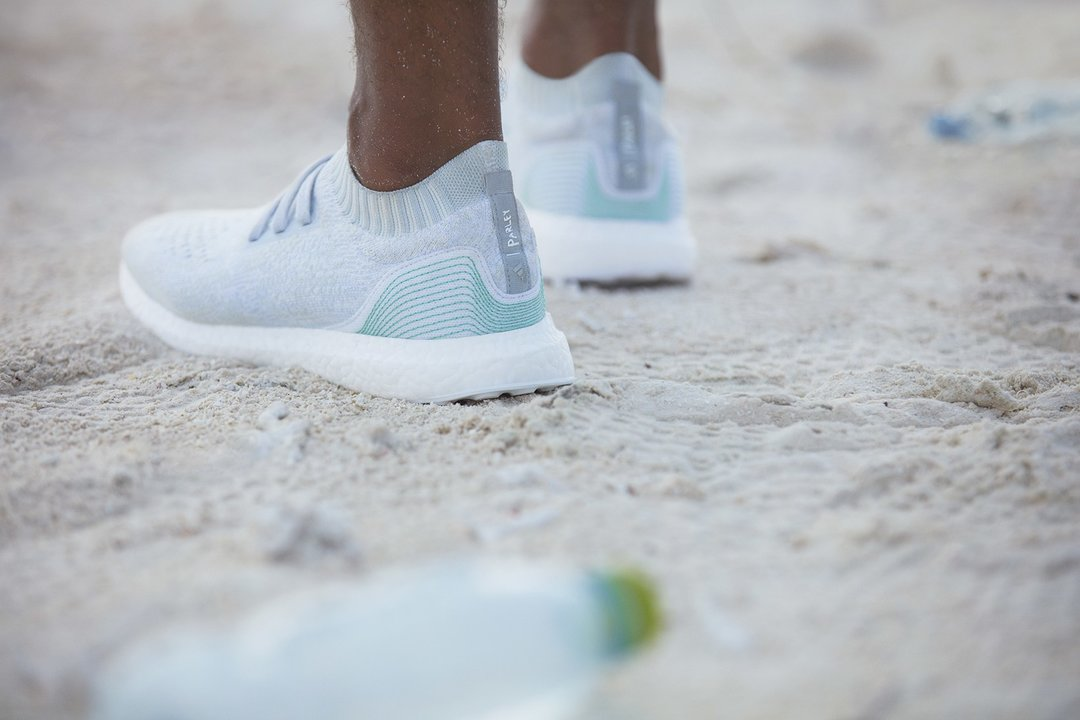 rsz_adidas-parley-for-the-oceans-ultra-boost-uncaged-football-jerseys-02 (1).jpg