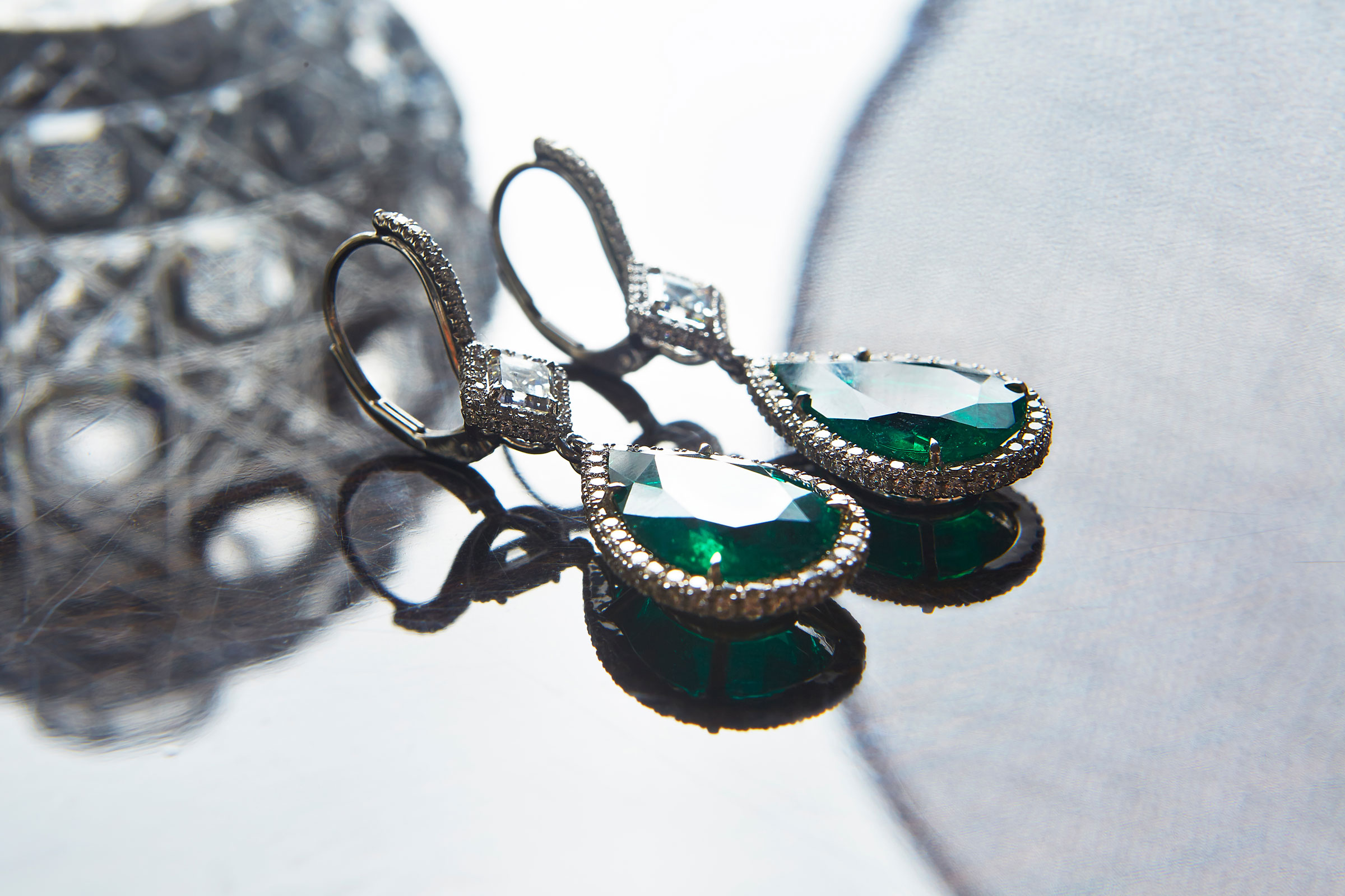 emerald-earrings.jpg
